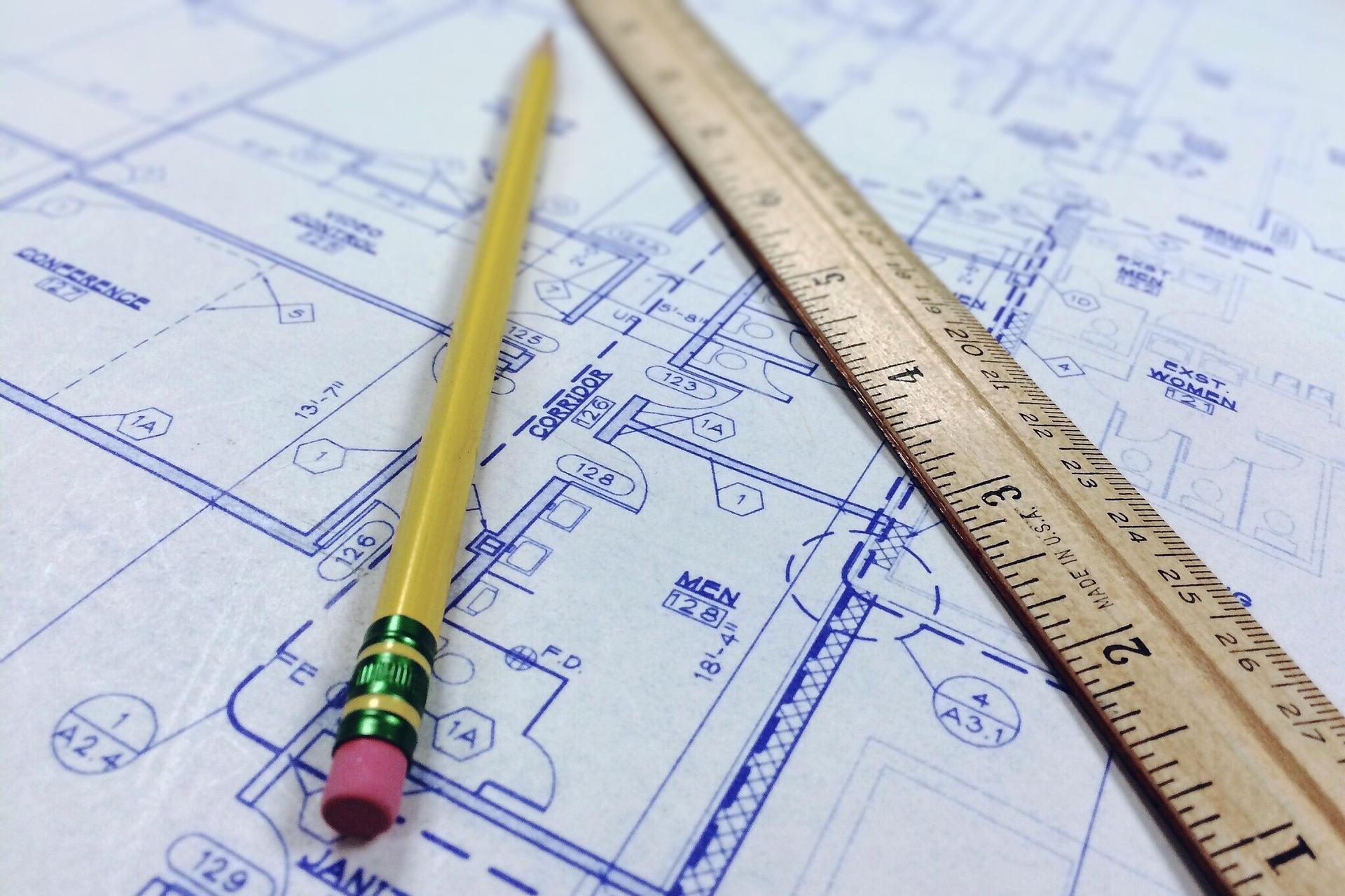 Blaupause, Stift Und Lineal Als Symbol Für Strukturiertes Vorgehen Bei Der Innovation