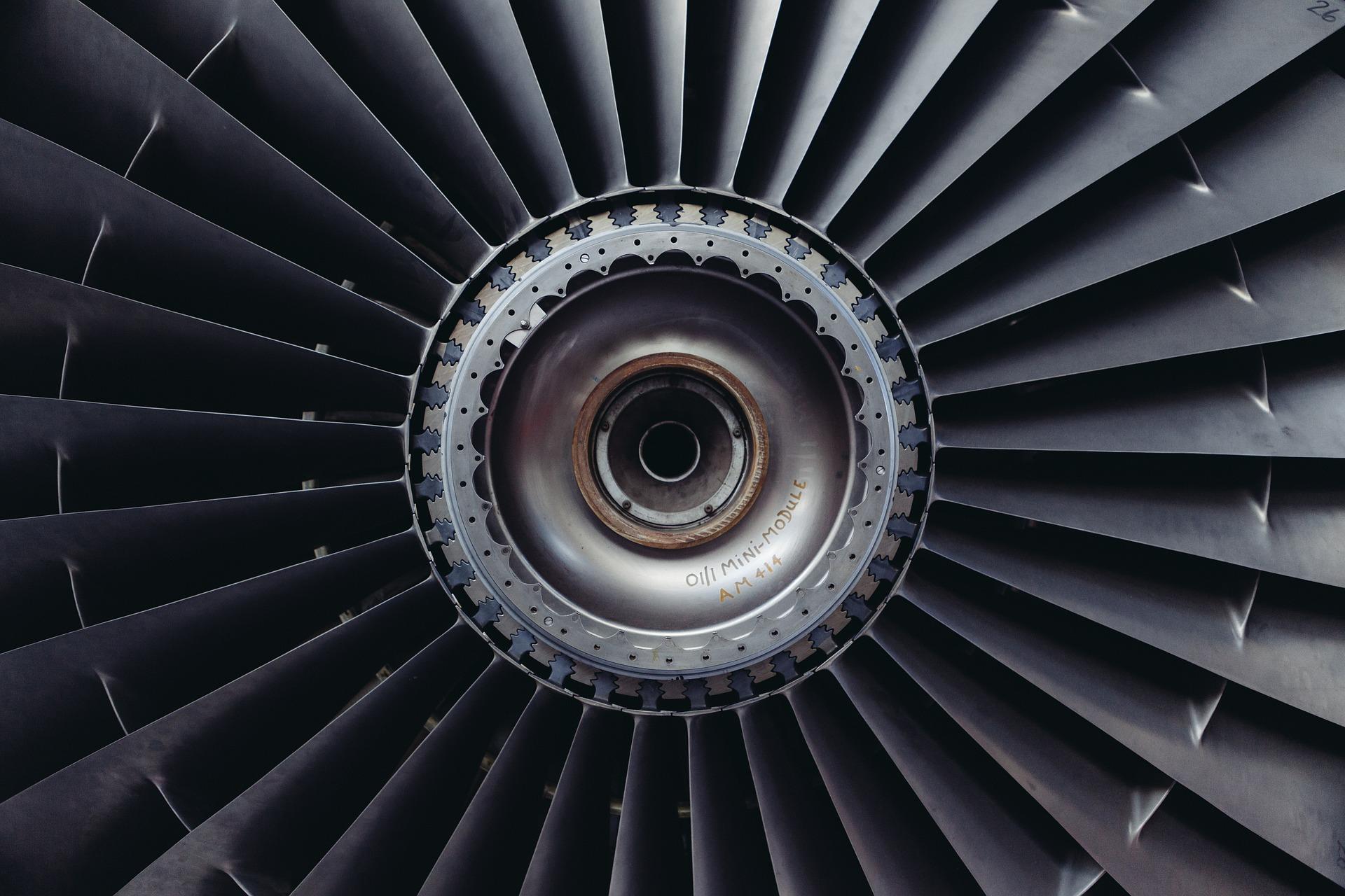 Turbine und Turbinenschaufeln in Nahaufnahme als Beispiel für eine Technologie-Innovation der Innovationsarten