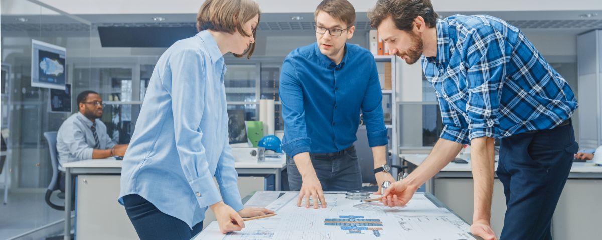 Entwicklungsteam Arbeitet Mit TRIZ An Technologieinnovation - TOM SPIKE