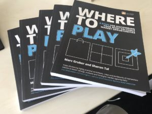 """Where to Play""-Buch"