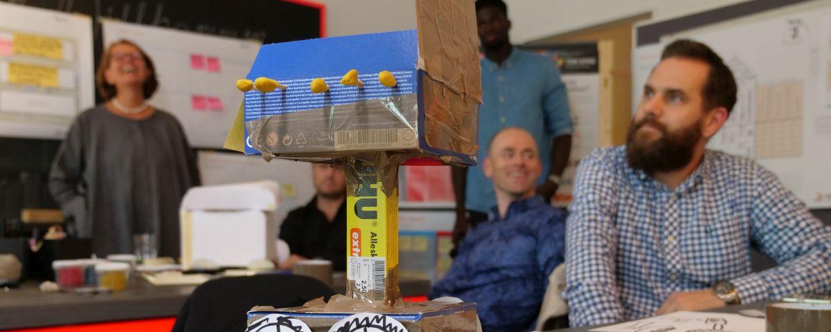Ideation Workshop Mit Crossfunktionalem Team Und Papier-Prototyp - TOM SPIKE
